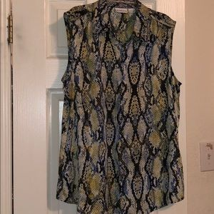 Liz Claiborne Sleeveless-button down
